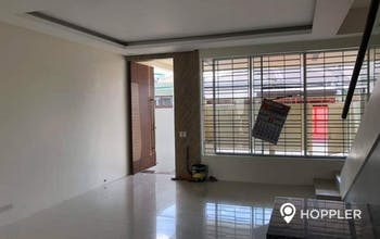 5BR House and Lot for Sale-Tandang Sora,Quezon City 1